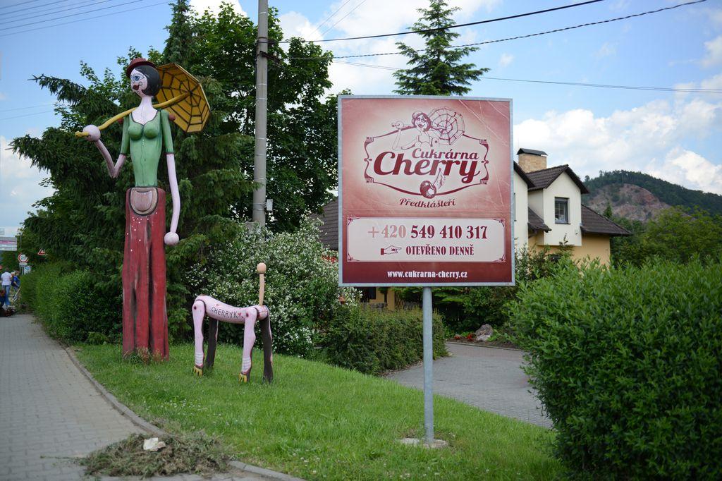 cukrarrna_cherry_20